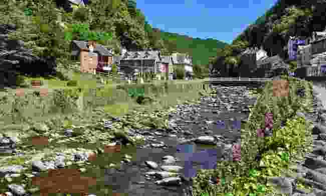 East Lyn River, Lynmouth (Shutterstock)