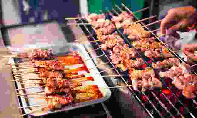 Sate cooked on the streets of Bali (Shutterstock)