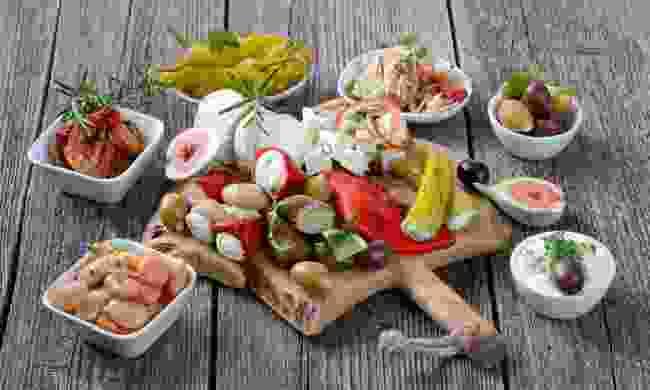 Greek food platter (Dreamstime)