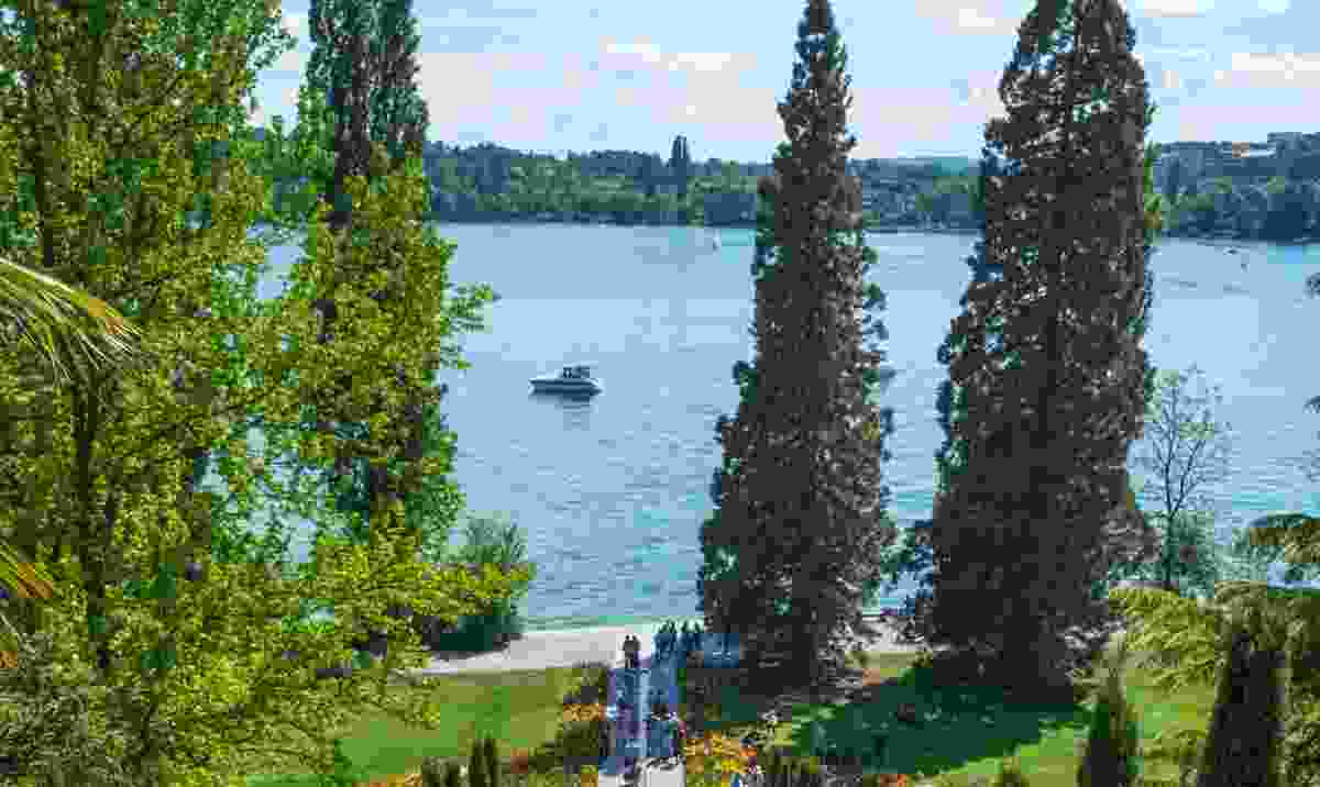 The tranquil gardens of Mainau Island on Lake Constance (Dreamstime)