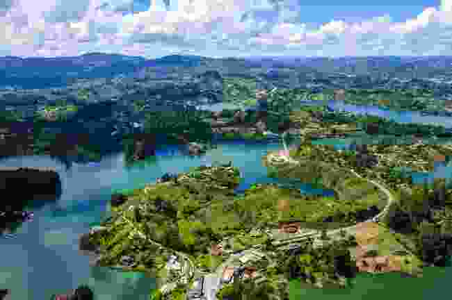 Embalse Peñol-Guatapé Reservoir (Shutterstock)