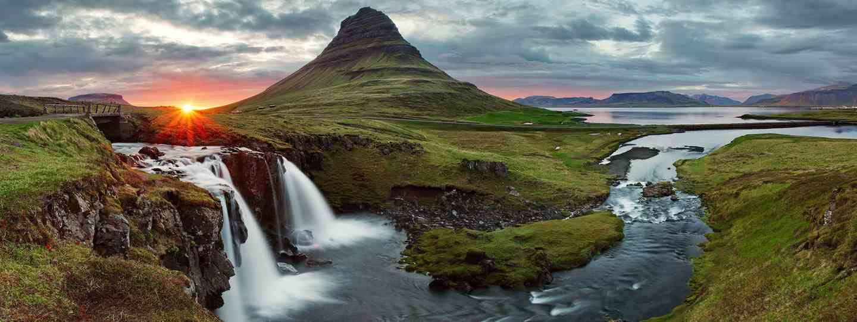 Iceland experiences: Kirkjufell mountain