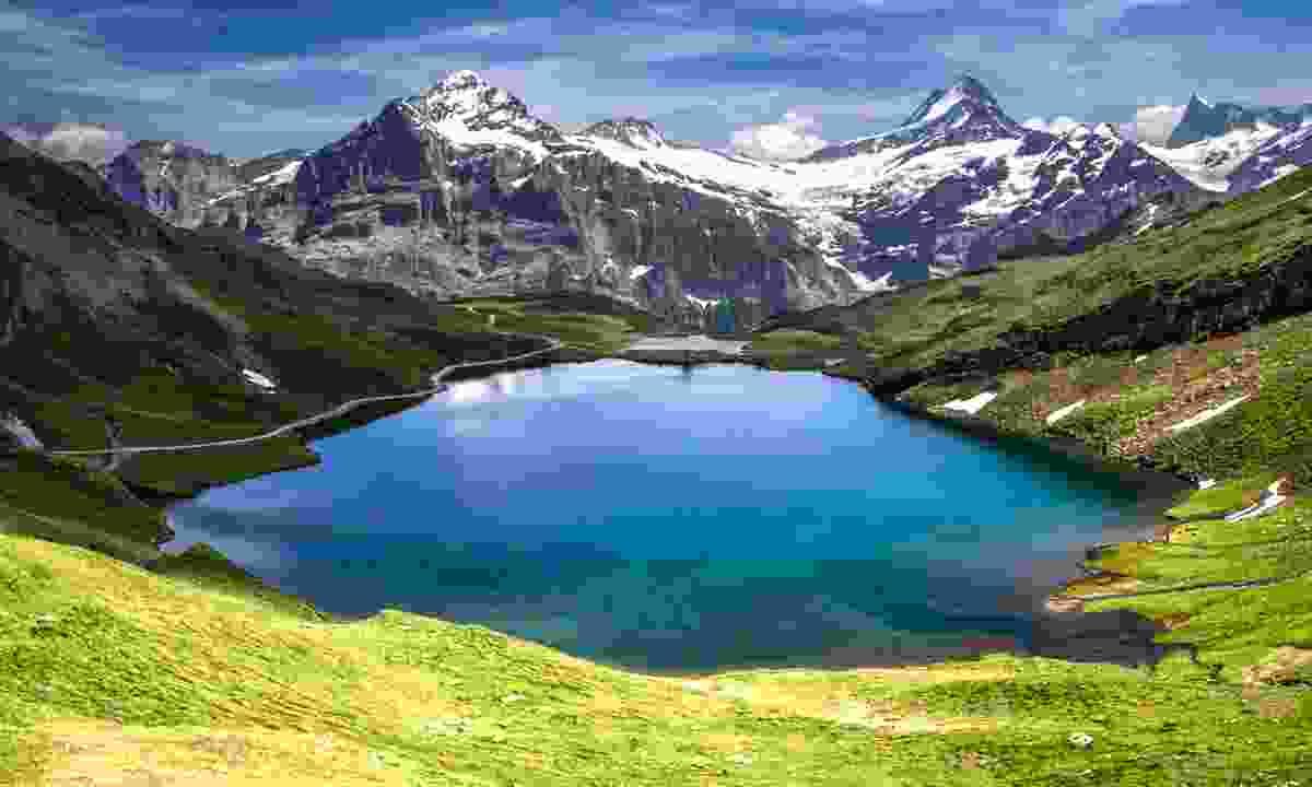 Schreckhorn and Wetterhorn from Bachalpsee lake (Shutterstock)