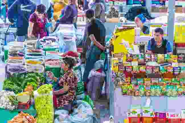 Siyob Bazaar in Samarkand, Uzbekistan (Shutterstock)