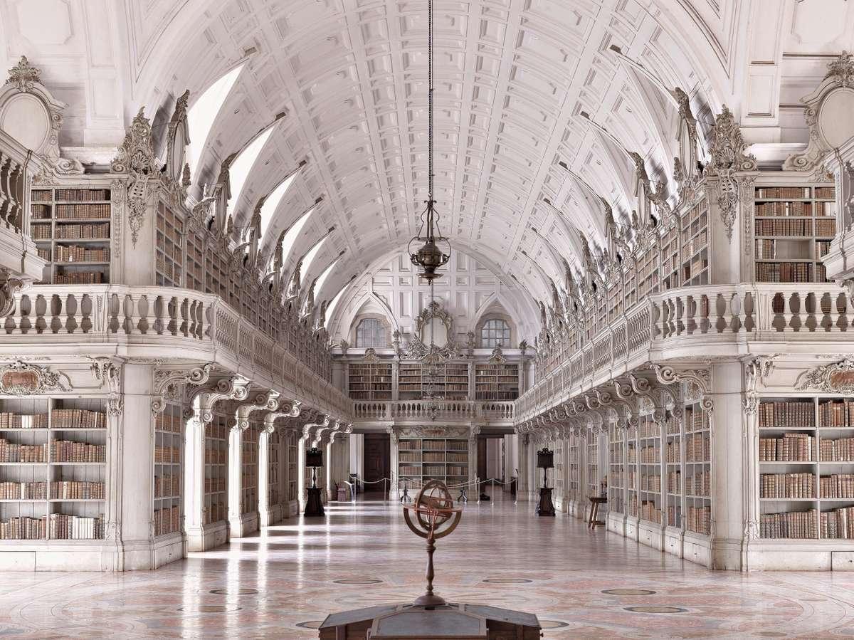 Biblioteca do Convento de Mafra (Massimo Listri/TASCHEN)
