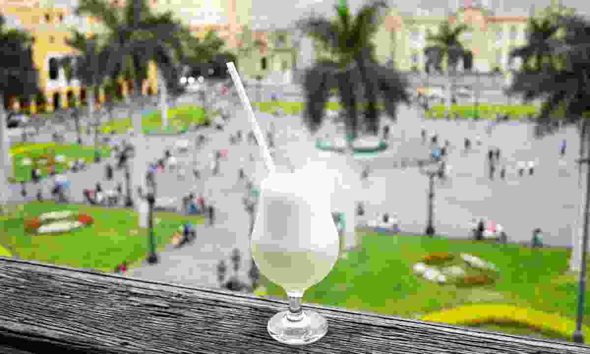 Pisco Sour overlooking the main square in Lima, Peru (Shutterstock)