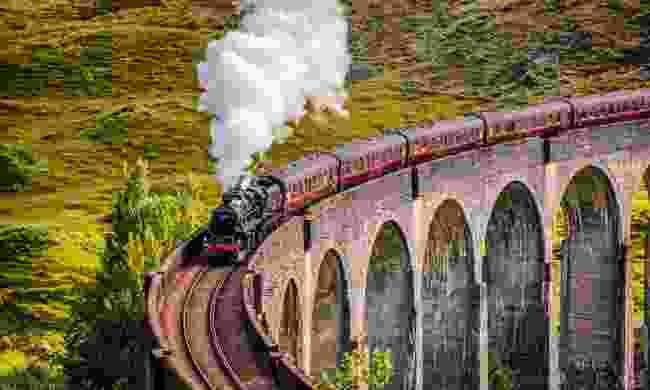 The Jacobite, crossing Glenfinnan viaduct (Dreamstime)