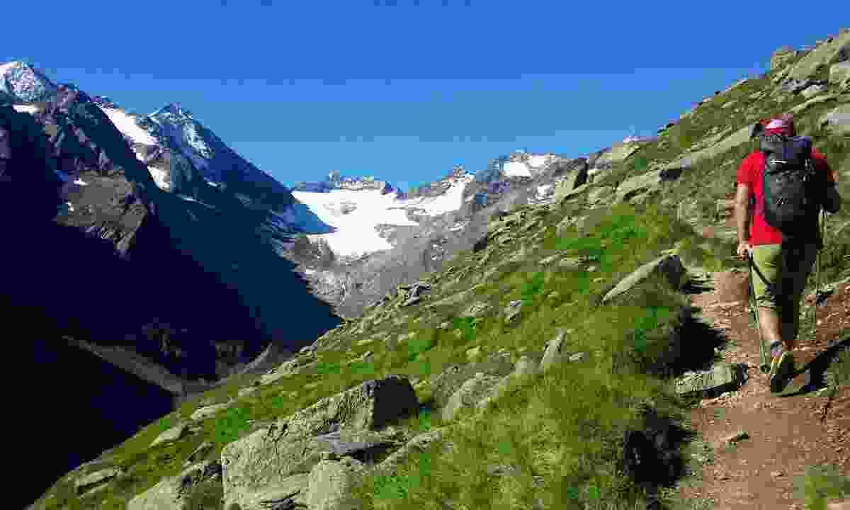 A hiker on the Stubai circuit (Dreamstime)