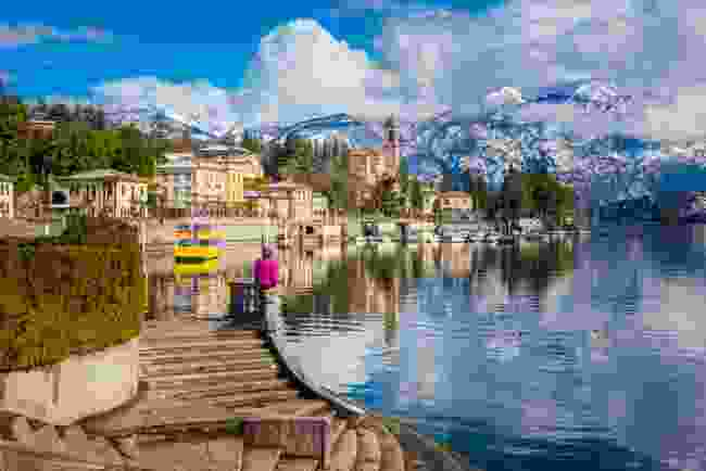 Visit the beautiful villages surrounding Lake Como (Newmarkert Holidays)