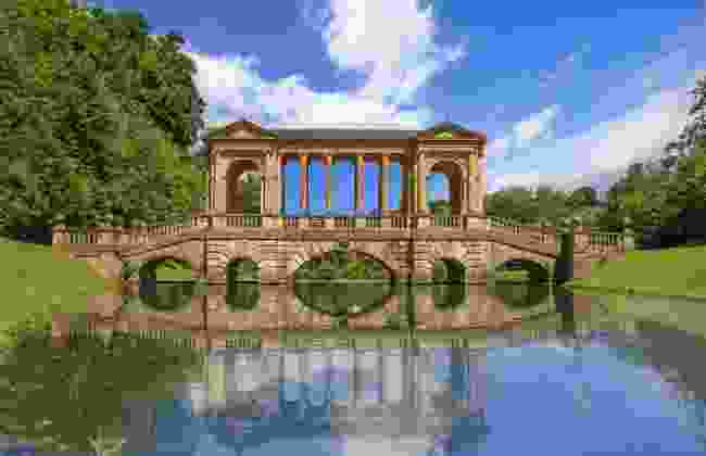 Palladian Bridge in Prior Park, Bath (Shutterstock)