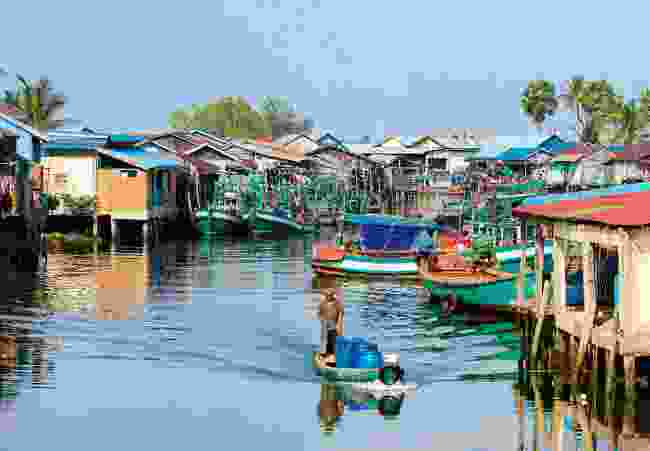 A fishing village near Kampot (Alex Robinson)