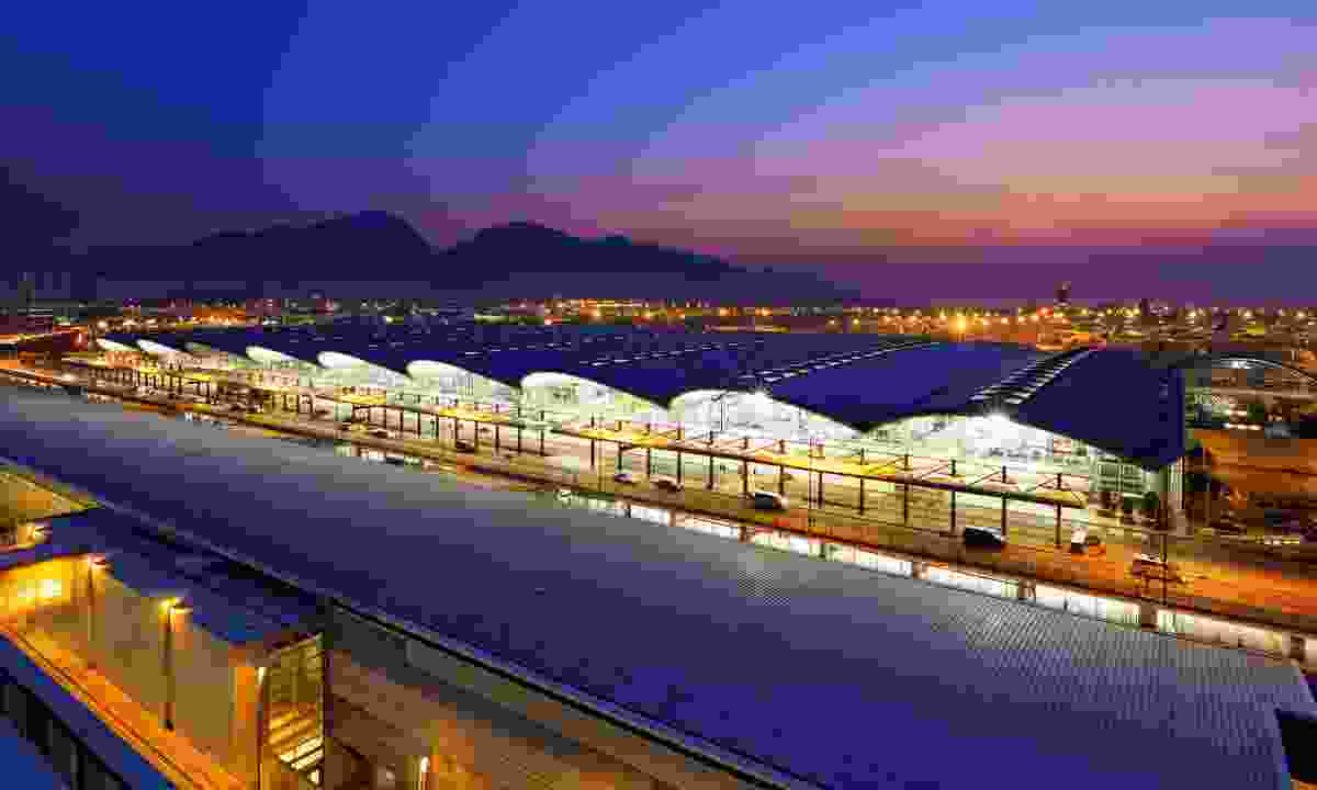 Hong Kong International Airport in the early evening (Shutterstock)