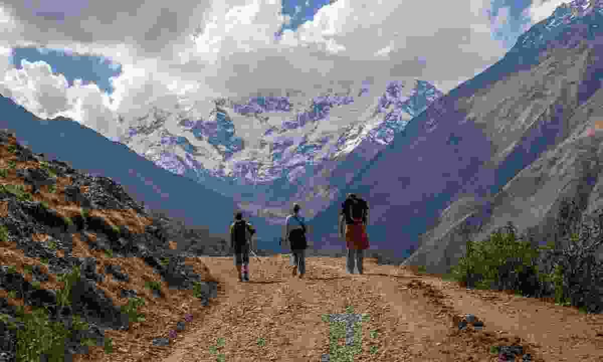 Walking in the Peruvian mountains (iStock)