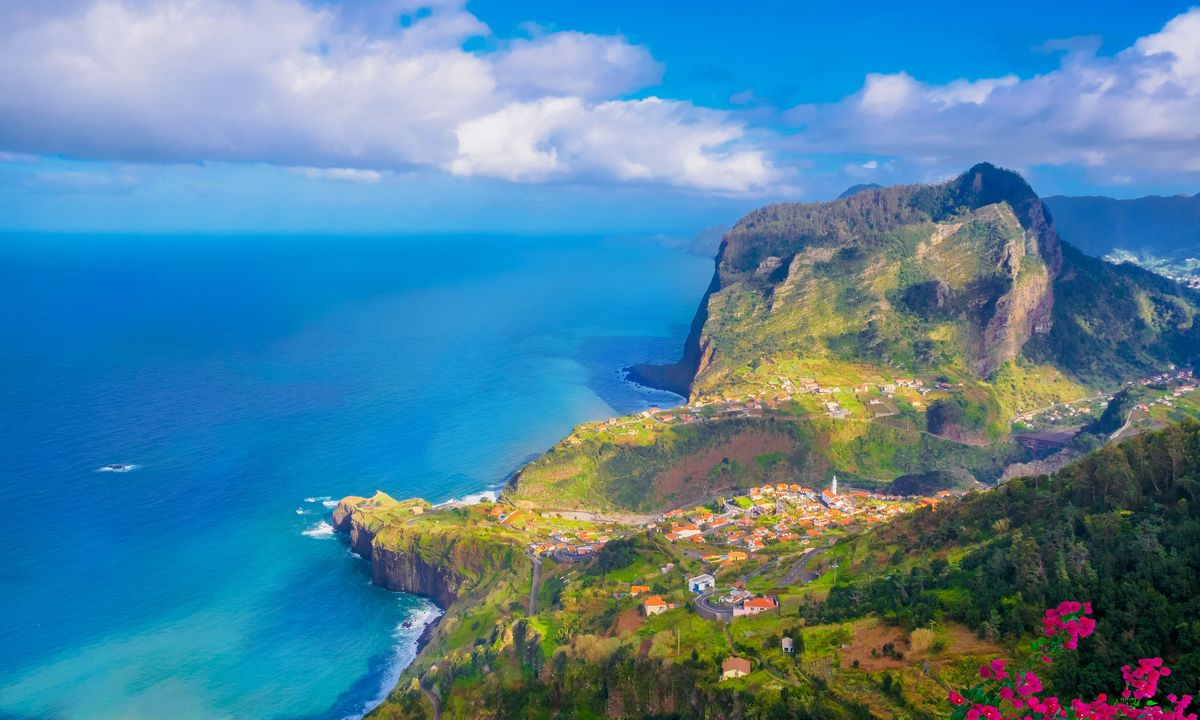 Madeira Island in English - Cover