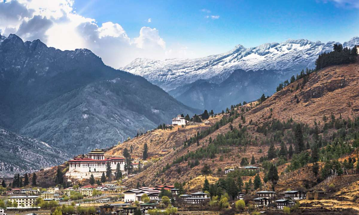Bhutan valley and mountains (Dreamstime)