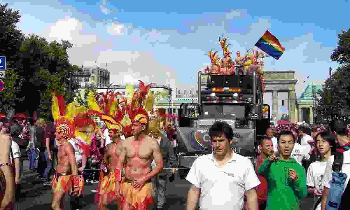 CSD Berlin march near Brandenburg Gate (Creative Commons: Jorg Kanngierer)