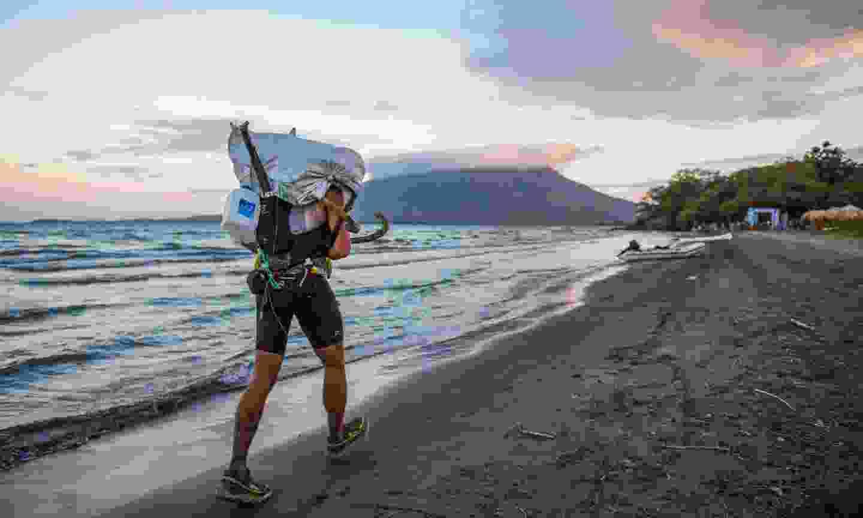 Running along the shore of Lake Nicaragua (fueoyagua.org)