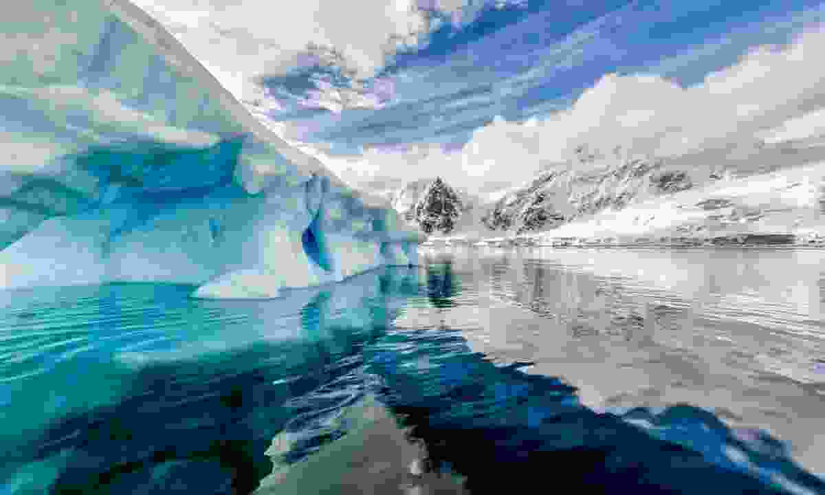 Experiment with variations of polar lighting (Dreamstime)