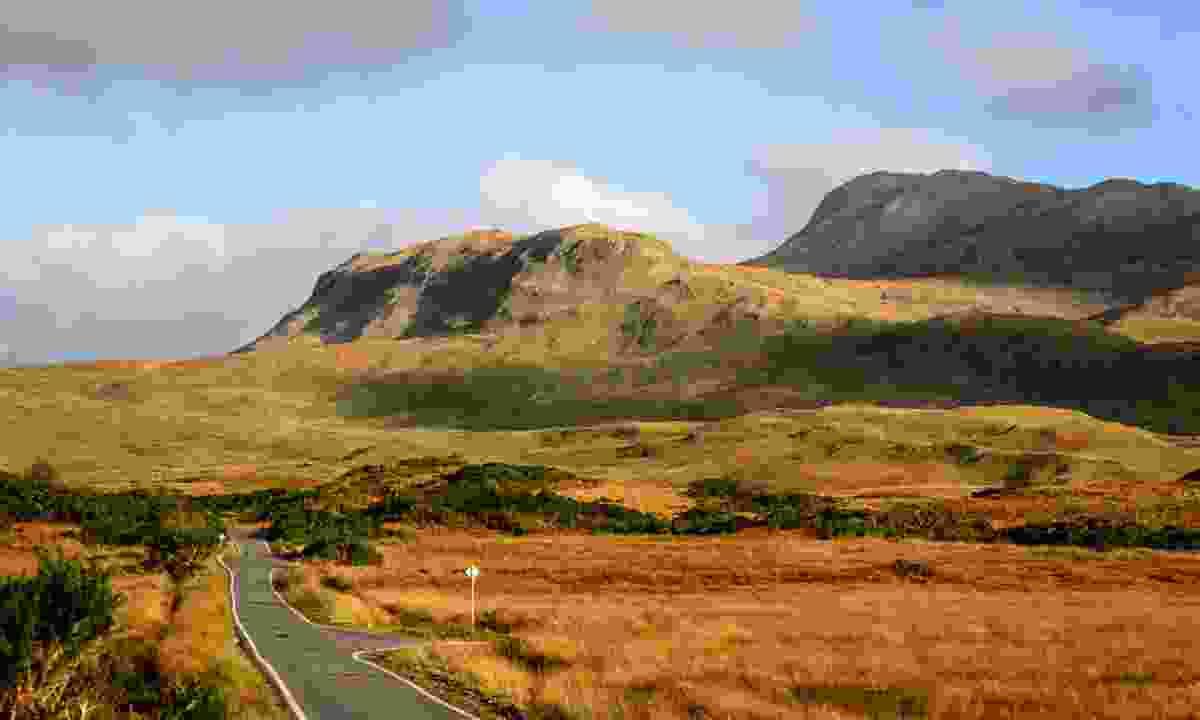 Ben Hiant volcano ridges (Dreamstime)