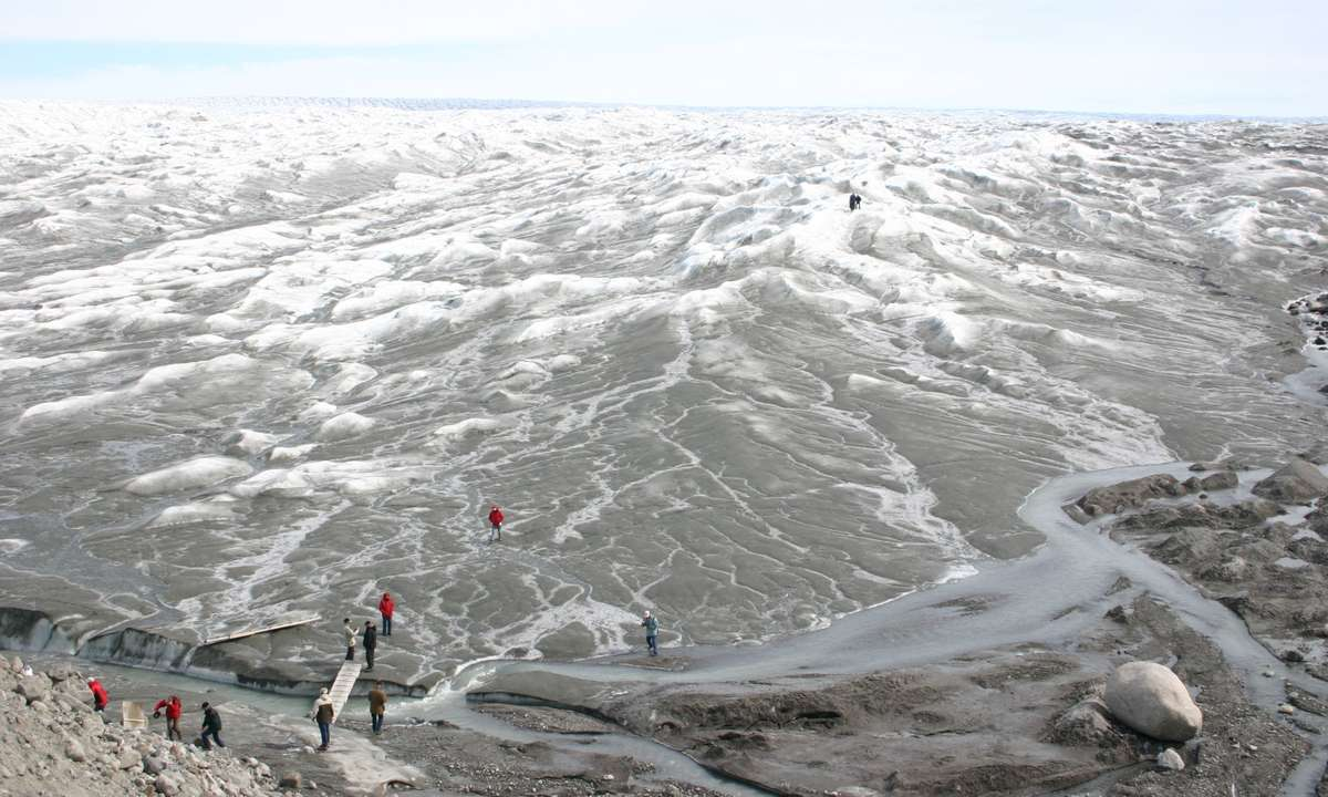 View over the inland ice in Greenland near Kangerlussuaq (Dreamstime)