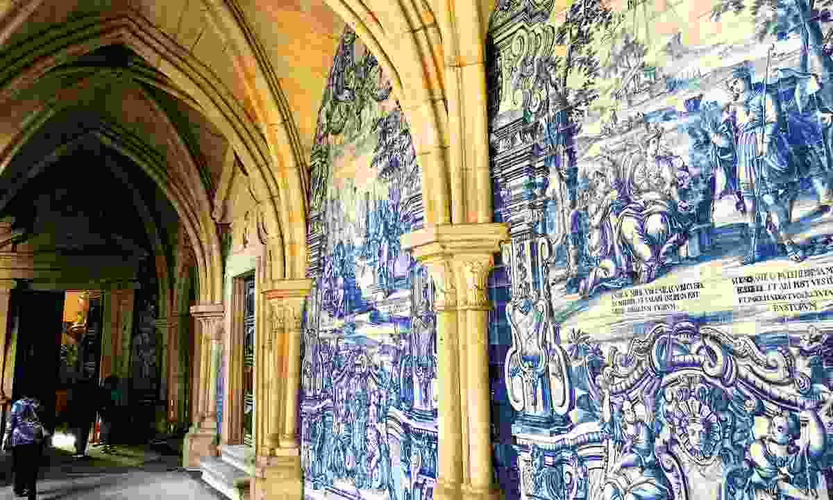 Admire the beautiful cloisters of Sé, Porto's Cathedral (Lyn Hughes)