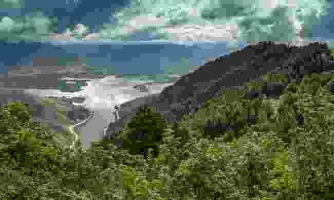 Ogden makes an incredible backdrop for trekking (Jay Dash Photography)
