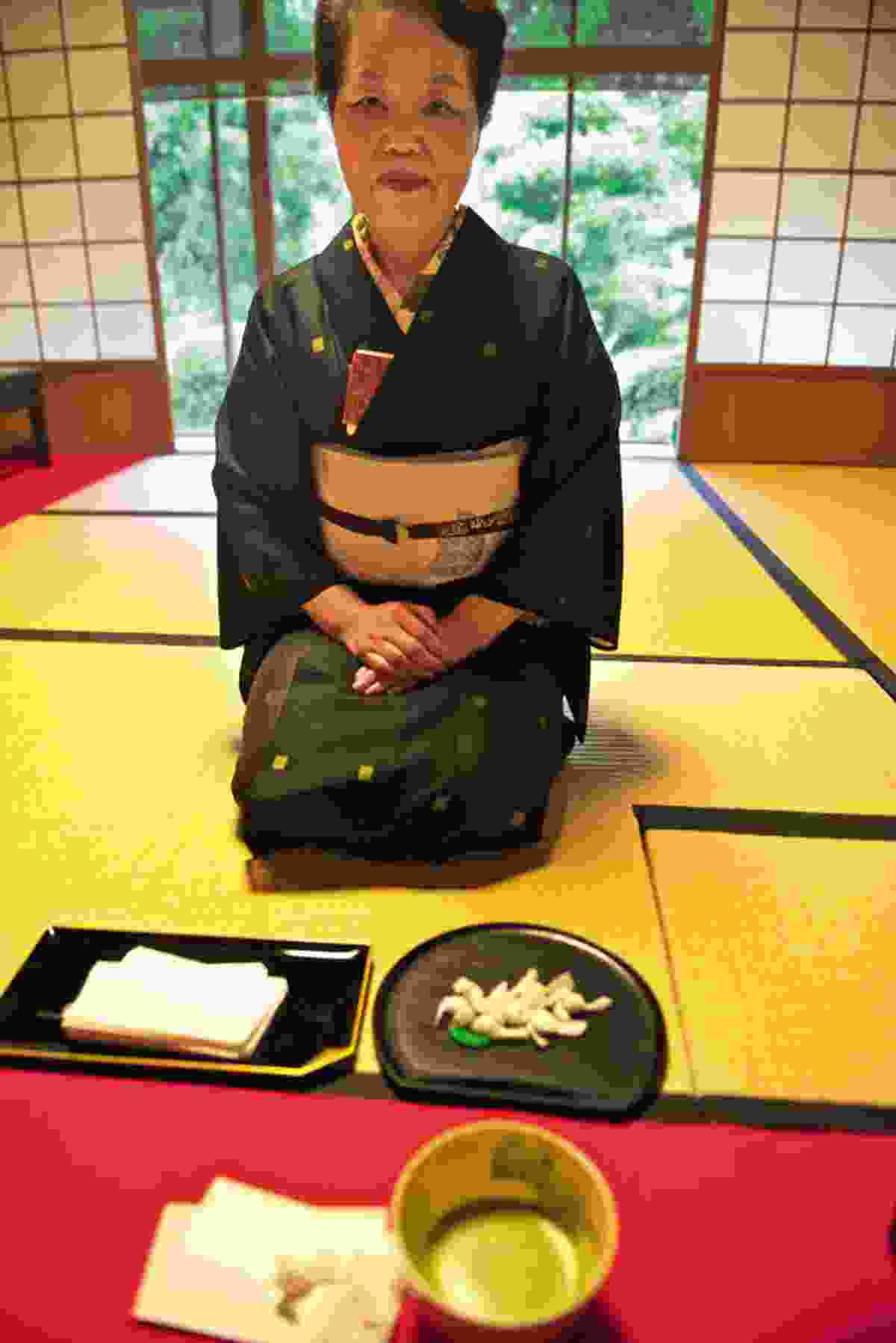 Tea ceremony (Mark Stratton)