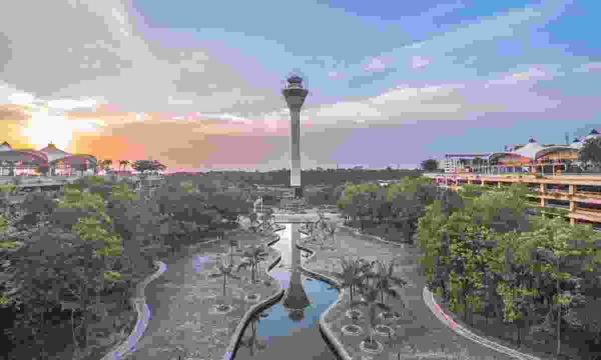 Kuala Lumpur International Airport control tower and its rainforest park (Shutterstock)
