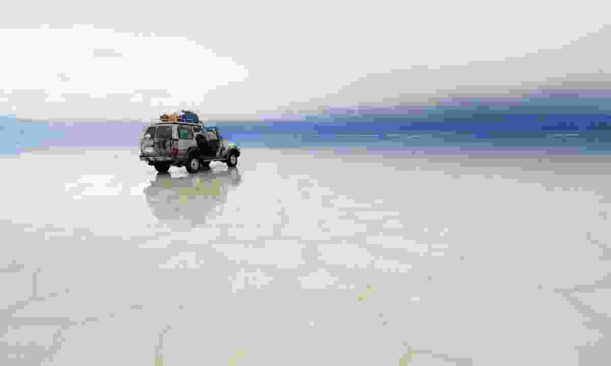 4WD in Salar de Uyuni, Bolivia (Dreamstime)