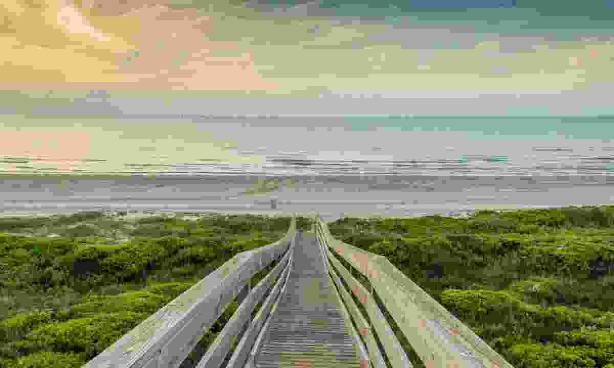 Enjoy a family walk to the beach (Dreamstime)