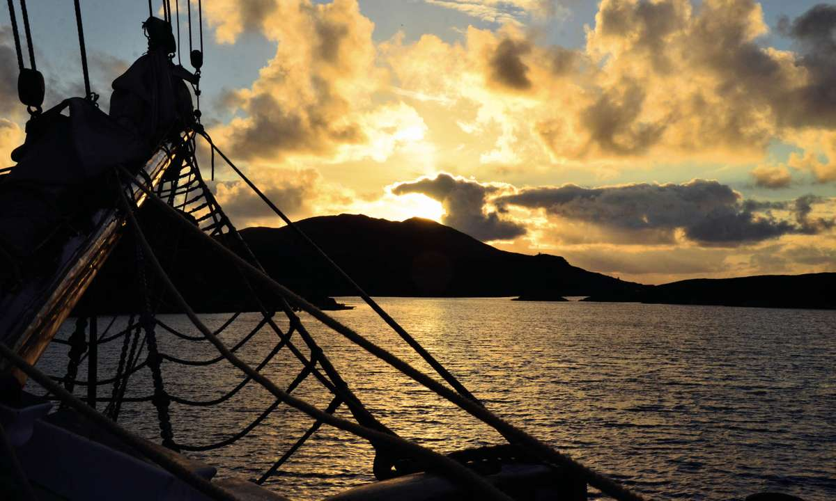 Loch Druidibeag and Loch Sgioport at sundown (Phoebe Smith)