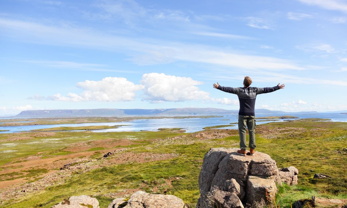 6 affordable trips for visiting Iceland's highlights and hidden corners