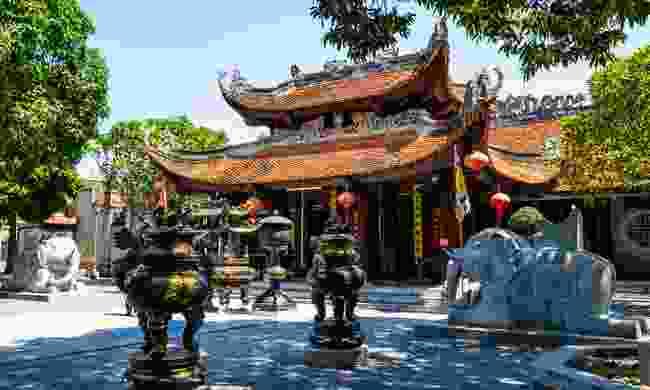 Perfume Pagoda (Shutterstock)