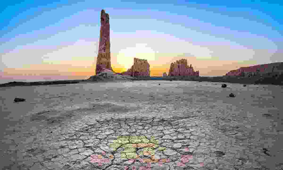 Ruins of Djanpik Gala fortress in the Kyzylkum desert (Dreamstime)