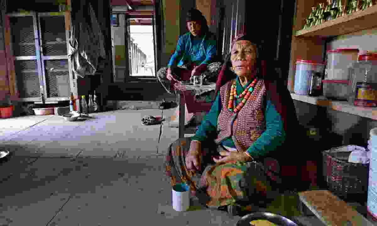 Gurung women in Nepal (Dreamstime)