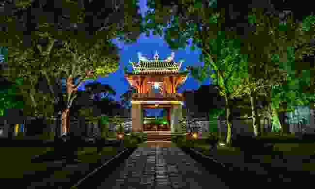 The Temple of Literature at night (Shutterstock)