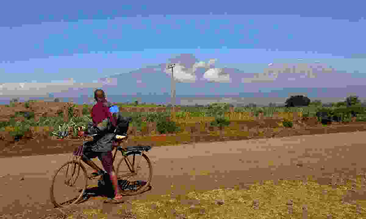Bike Kilimanjaro (Shutterstock)