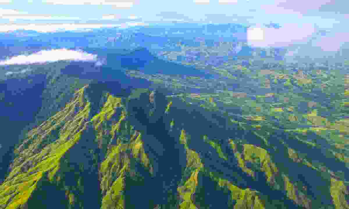 Aerial view over Fiji's mountains (Shutterstock)