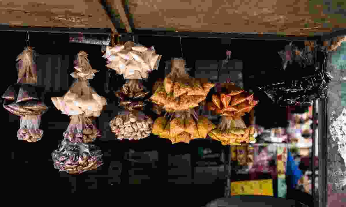 Spices hanging in Serrekunda Market (Shutterstock)