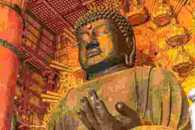 Todaiji's 15m bronze Buddha statue (Shutterstock)