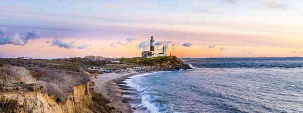 Montauk Point Light, Lighthouse, Long Island (Dreamstime)