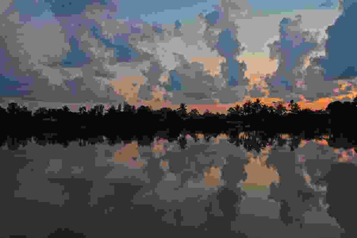Kinabatangan sunrise (Chris Rauch)