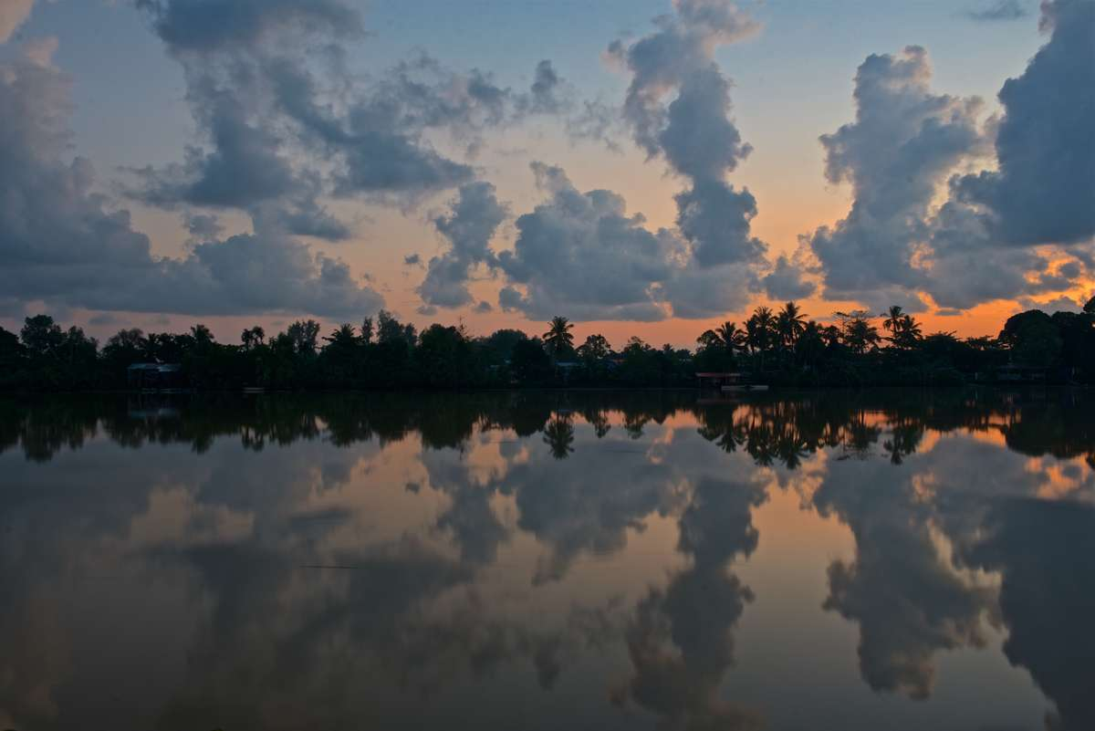 Kinabatangan sunrise (Chris Rauch)