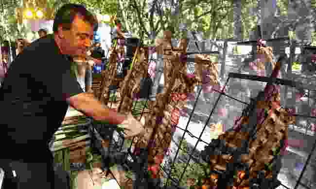 An asado at work in Mendoza (Shutterstock)