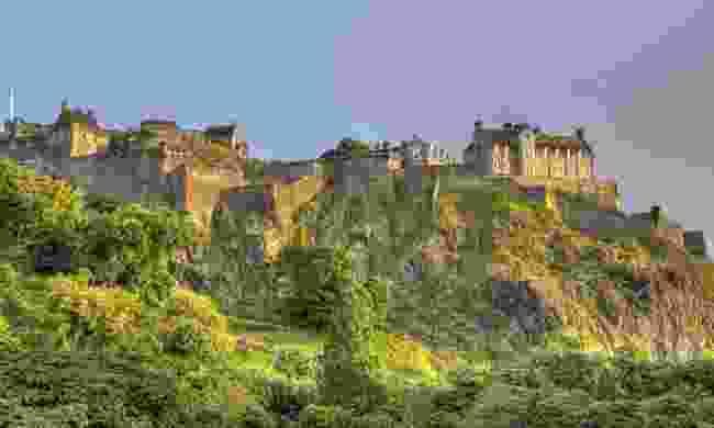 Edinburgh Castle on Castle Rock (Dreamstime)