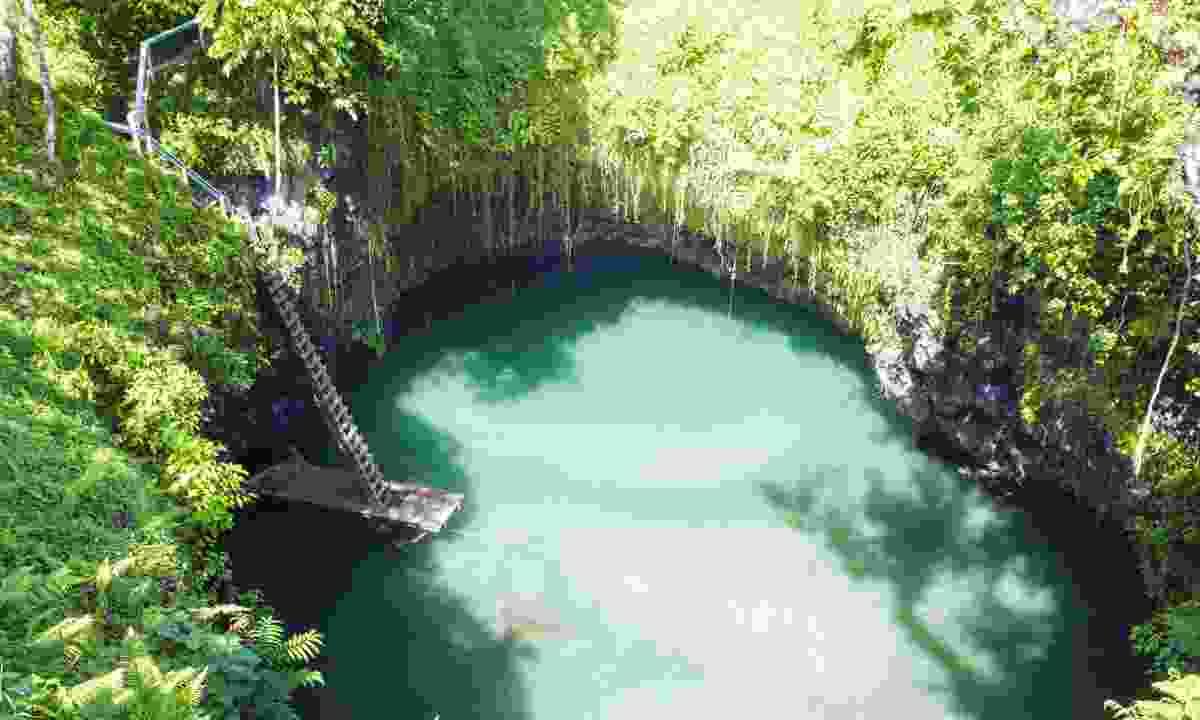 To Sua Ocean Trench, Samoa (Dreamstime)