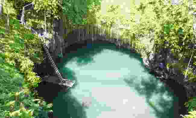 To Sua Ocean Trench, Samoa (Dreamstime)