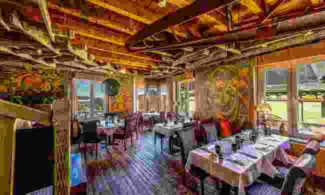 Restaurant Chiggeri offers modern dining