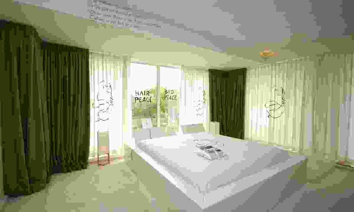 The bed John Lennon & Yoko Ono stayed in during their honeymoon (Shutterstock)