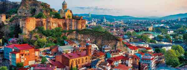 Travel guide to Tbilisi Georgia (David Tabagari)